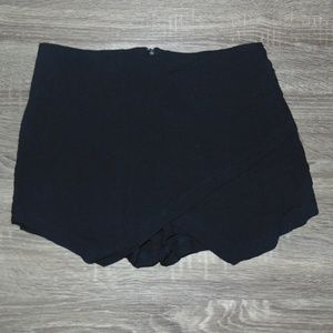 L.A. Hearts asymetrical shorts black small